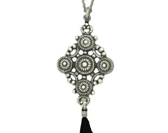 Sautoir pendentif plaqué argent vieillit pompon noir argenté soirée journée ethnique chic cadeau femme original perle romantique valentin