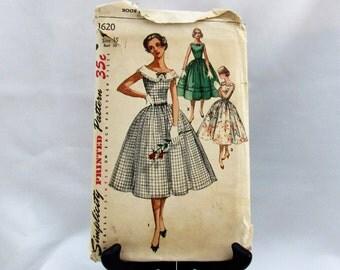 Womens  Junior Vintage 1950s Simplicity Printed Dress  Pattern Size 15  Bust 33 style  1620  Madmen Rockabilly