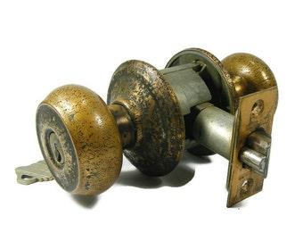Vintage Brass Locking Door Knob Set with KEY by Schlage
