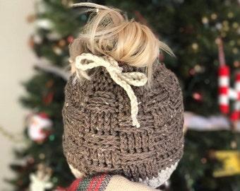Bun Beanie Crochet Pattern - Messy Bun Beanie PATTERN - Messy Hair Beanie - Ponytail Beanie - Hair Beanie - Messy Bun Pattern