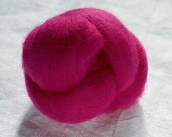 Merino Wool Top 100%, Needle Felting Wool, Wool Roving, Hand Spinning, Peony Pink, Merino Wool Felt, High Quality Soft Merino Wool, mw47