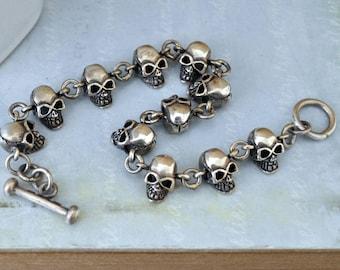 VINTAGE FIND petite skull charms bracelet, sterling silver 925, gothic, dark victorian,