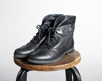Vintage Black Leather Lace Up Boots- Heeled Ankle Boot 1980s 80's Flat Combat Lace Up Grunge Punk- Size 7 1/2 M