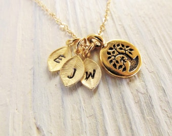 Personalized Gift for Mom, Family Tree Necklace, Mom Initial Necklace, Mom Jewelry, Gold Tree of Life, Mother Jewlery, Grandmother Gift
