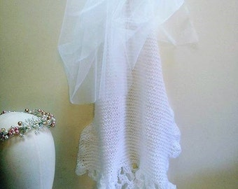 Vintage WeddingAccessory hand knitted Bridal Veil with tulle