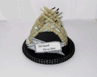 Til Death Do Us Part Skeleton Hands Wedding Cake Topper