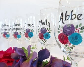 Hand Painted Bridesmaid Wine Glasses, PICK YOUR FLOWERS, Bridesmaid Wine Glasses, Bachelorette Party Wine Glasses, Personalized Wine Glasses