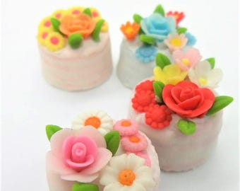 4 Miniature Polymer Clay Food Bakery for Dollhouse and Jewelry, 2.0 cm Mini Cake