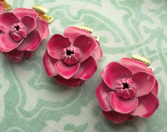 Pink Rose Flower Enamel Clasp. Double Strand. Shabby Chic, Boho Vintage Findings. 1 Piece