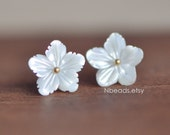 10pcs White Mother of Pearl Flowers 11.5mm, Center Drilled Shell Flowers, Carved 3D Shape (#V1251)