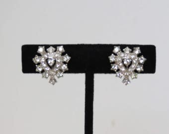1940s 1950s Vintage Rhinestone Earrings - Rhinestone Heart Screwbacks - Costume Jewelry