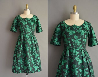 50s  satin silk green foliage vintage holiday party dress. vintage 1950s dress