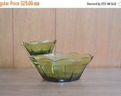 reserved for KnottyLottie SALE 25% OFF vintage green glass anchor hocking chip and dip set / holiday entertaining / glass bowl