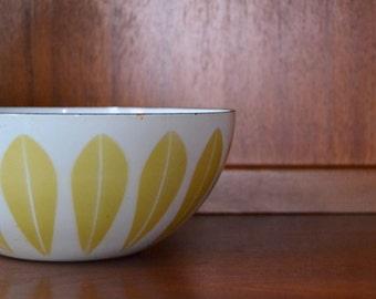 """vintage midcentury modern enamel 9.5"""" cathrineholm lotus bowl / grete prytz kittelsen / scandinavian home decor"""