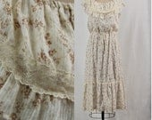 Vintage 1970s Boho Calico Ruffled Summer Dress