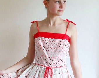 50s dress - 1950s eyelet dress - 50s full skirt dress - vintage cotton party dress - small xsmall