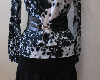 Leopard print  pattern and design with black ,white and gray color long sleeves top plus made in U.S.A (V177)