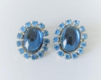 40% OFF SALE Vintage 1950's Blue Rhinestone Earring Set / Bright Sky Blue Jewelry Clip On Earrings