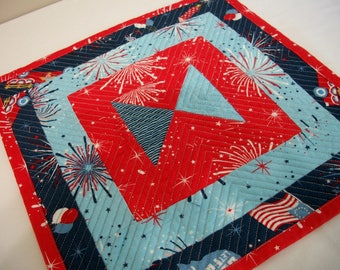 Patriotic Mug Rug Red White Blue Quilted Quiltsy Handmade FREE U.S. Shipping Memorial Day 4th of July Veterans Day Independence Day