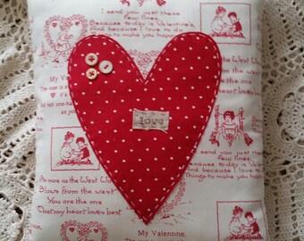 Prim Red Heart love Pillow - OFG