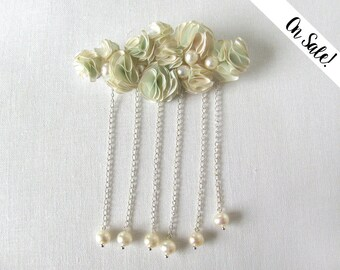 Silk brooch - Ivory and frost silk cloud brooch with freshwater pearls - Romantic pastel cloud - ***Item on sale*** Previous price : 33 EUR
