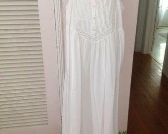 Laura Ashley cotton lace white robe nightgown set