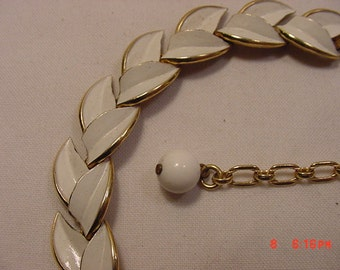 Vintage Trifari White Enameled Adjustable Necklace  16 - 795