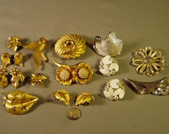 Vintage Lot BSK Signed 7 Pins Brooches 5 Pairs Clip Earrings Leaves Flowers 9272