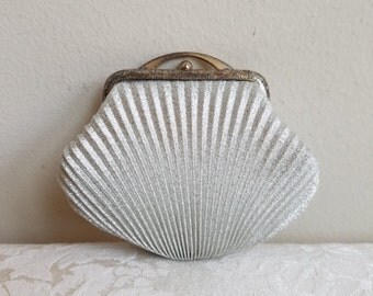 Vintage Silver Change Coin Purse Metallic Shimmer Ribbed Fabric Scallop Shell Shape, Mid Century Retro GLAM