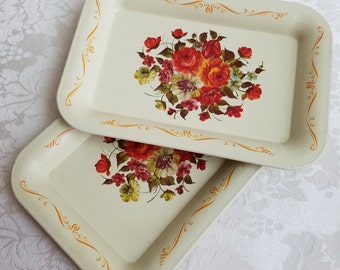 Vintage Small Metal Trays Set of 4 Tip Trays Drink Coasters In Cream With Tole Flowers, Floral Shabby Cottage