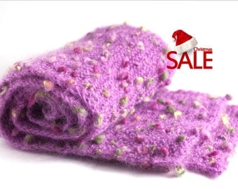 Christmas SALE 20% OFF Chunky knit wool scarf in pink with green spots. Oversized wool knit scarf. Long wool scarf.