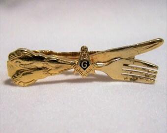 Mens Masonic Tie Clip Bar,  Knife and Fork Design,  Masons Symbol, Gold Tone Setting,  Vintage Jewelry, Costume Jewellery  1216DGZ