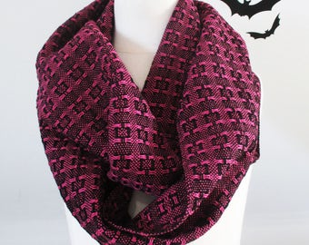 Handwoven Cotton Lace Loop Scarf Pink + Black