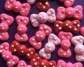 60 polka dot bows