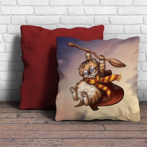"Harry Potter Kitten Pillow - 18"" x 18"""
