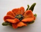 Wool Felted Flower Orange Poppy Brooch with Green Leaves, Wet Felted Brooch, Hand felted Brooch Poppy, Poppy Pin Brooch, Flower Felt Pin
