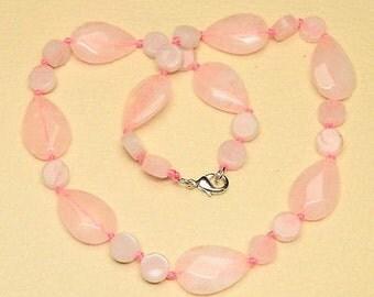 Rose Quartz Necklace, Pink Quartz Necklace, Beaded Necklace, Gemstone Necklace, Gift for Her, Rose Quartz Jewelry, Pink Quartz Jewelry