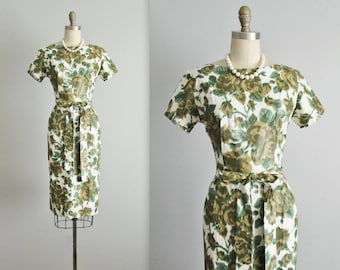 50's Floral Dress // Vintage 1950's Rose Print Cotton Fitted Sheath Garden Party Dress XS