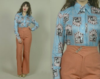 70s Collar Shirt Art Deco Sky Blue DANDY LADY Print Top 1970s Mod Button Up Long Sleeve Pointed Collar / Size M Medium
