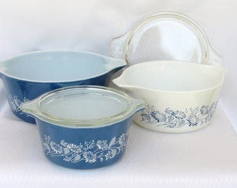 Vintage Pyrex Colonial Mist Blue and White 3 Casserole with Lids  Round Baking Dish French Daisy