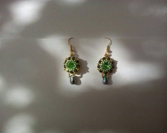 Beadwoven beautiful earrings rivoli with seed beads greens and gold beading handmade ook gift ellegant feminine