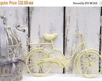 HOLIDAY SALE Bicycle Wall Art /Light Yellow Wall Decor / Metal Bicycle / Metal Wall Decor / Shabby Chic Decor / Shabby Chic Decor