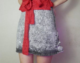 80s Ruffly black and white acid wash denim mini skirt size listed as a 7