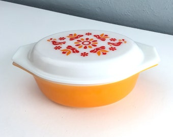 Vintage Pyrex Friendship Caserole Dish with Lid, Yellow, Red Pyrex Birds, Rare Pyrex Lidded Dish