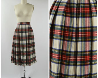 """Vintage 1970s 1980s Wool Skirt Tartan Plaid Size Small 24"""" Waist Pleated Plaid Skirt Off White Red and Navy Blue"""