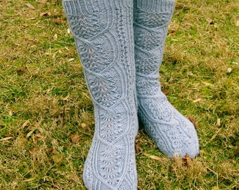 Knit Sock Pattern:  Sappora Socks Knitting Pattern