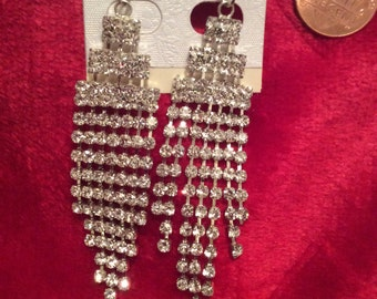 Crystal earrings long dangling clear rhinestone new without tag