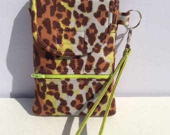 cellphone wallet/wristlet/clutch in green and brown cheetah print, quilted bag, smartphone case, iphone clutch