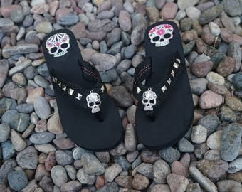 Olivia Paige -  Studs Rock and roll Pin Up rockabilly Flip flops with cross skull 13 harley pyramids studs