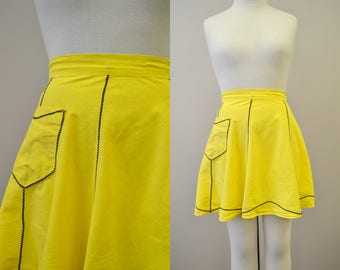 1950s Yellow Cotton Half Apronw with Rick Rack Trim